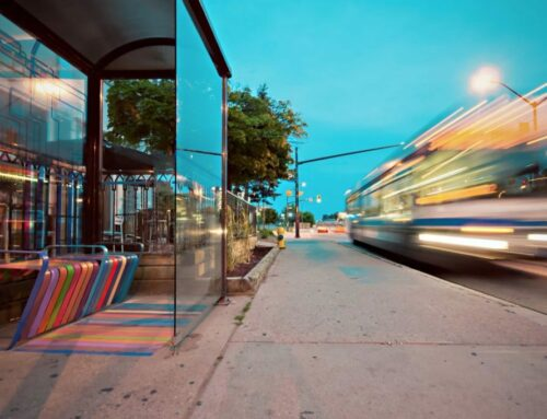 Travelling in Canada by bus or by train