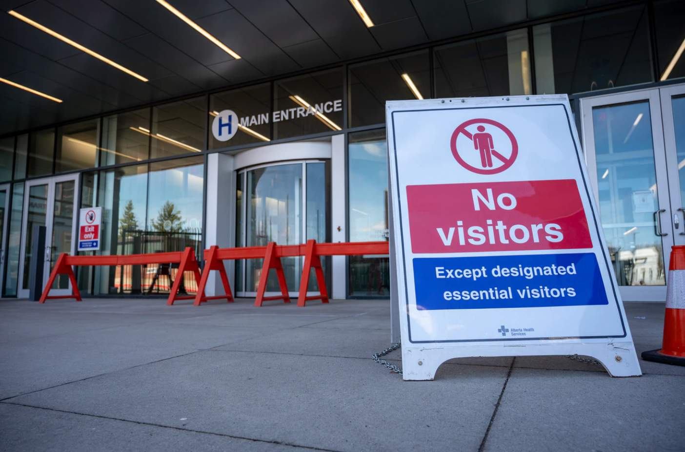 Canada reopens with Social Distancing